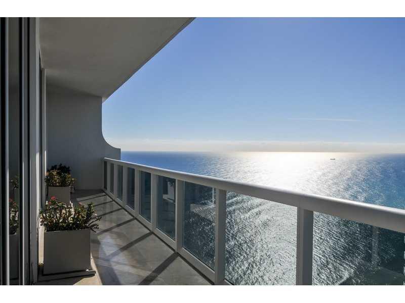 Appartements face la baie au blue diamond a miami beach for Chambre de commerce miami