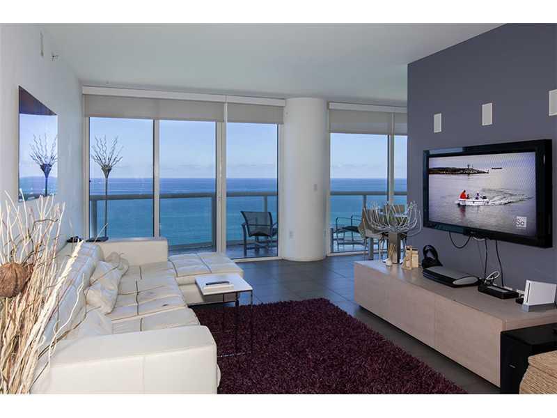 Appartement sur collins avenue miami beach face a l 39 ocean for Chambre de commerce miami