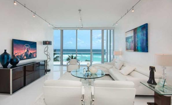 Appartement face la mer au carillon a miami beach for Chambre de commerce miami