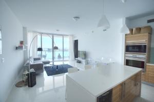 living-room-balcony