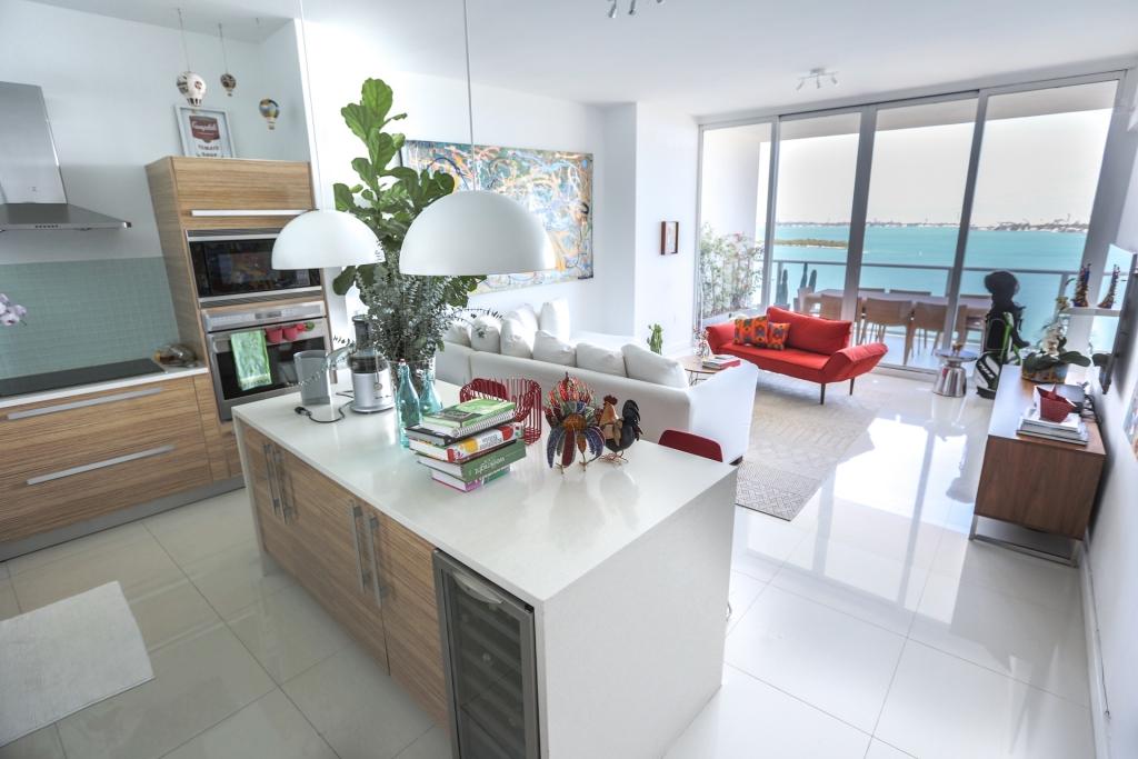 Location de luxe a paramount bay viaprestige miami for Chambre de commerce miami